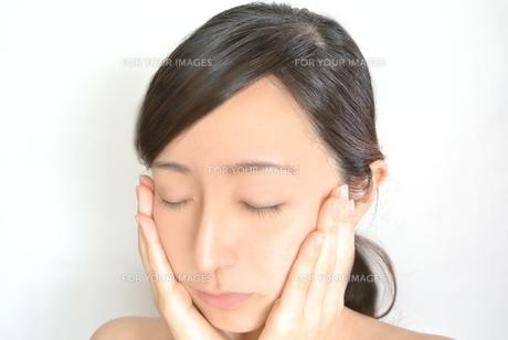 女性の顔の写真素材 [FYI00281016]
