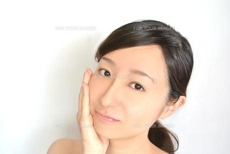女性の顔の写真素材 [FYI00281028]