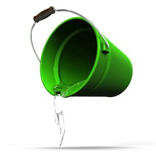 水を注ぐバケツの写真素材 [FYI00281658]