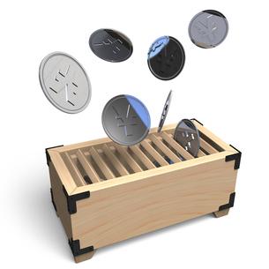 賽銭箱とお金の写真素材 [FYI00281678]