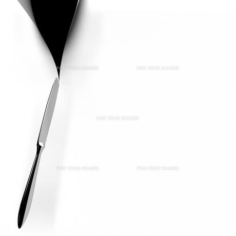 白背景を切るナイフの写真素材 [FYI00281721]
