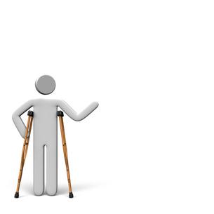 松葉杖で立つ人 テキストスペース付きの写真素材 [FYI00281799]
