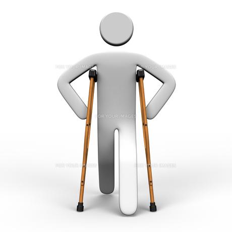 松葉杖で歩く人 正面図の写真素材 [FYI00281824]