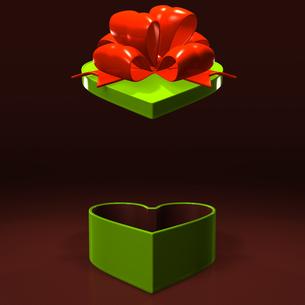 ハート形の緑のプレゼントボックス テキストスペース付の写真素材 [FYI00281958]