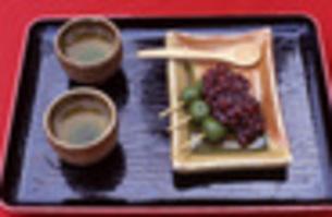 お茶とお団子の写真素材 [FYI00282329]