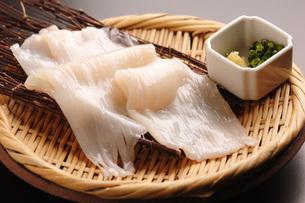 北海道函館産・イカの刺身の写真素材 [FYI00282444]