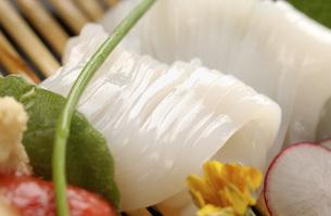 北海道函館産・イカの刺身の写真素材 [FYI00282453]