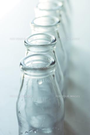 牛乳瓶の写真素材 [FYI00283194]