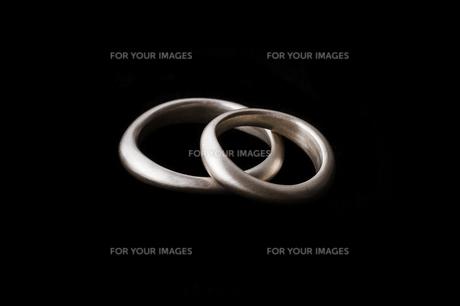 黒バックのペアリングの写真素材 [FYI00284066]