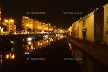 小樽運河の夜景の写真素材 [FYI00284214]
