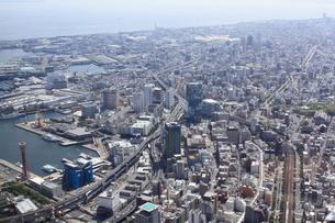 ポートタワー上空より神戸駅方向を空撮の写真素材 [FYI00284462]