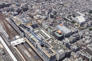 京都駅を上空から空撮の写真素材 [FYI00284465]
