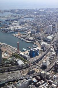 神戸ポートタワー上空より空撮の写真素材 [FYI00284492]