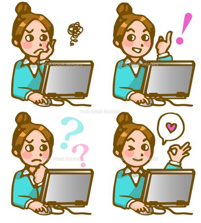 パソコンに向かう女性の写真素材 [FYI00284727]