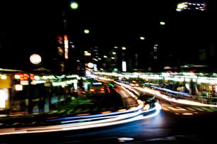 京都の夜、祇園3の写真素材 [FYI00284910]