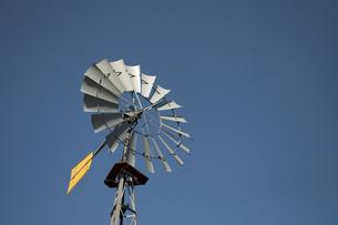 風力揚水機の写真素材 [FYI00285255]