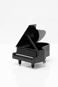 玩具のピアノの写真素材 [FYI00285330]