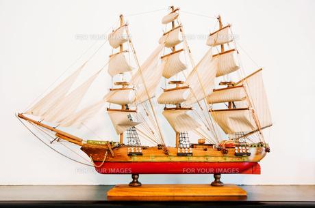 アンティークな帆船模型の写真素材 [FYI00285334]