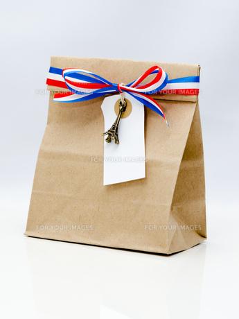 紙袋とタグの写真素材 [FYI00285339]