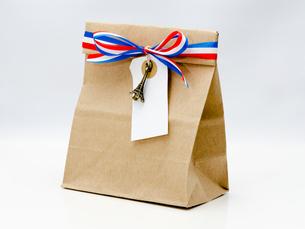 紙袋とタグの写真素材 [FYI00285341]