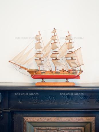 アンティークな帆船模型の写真素材 [FYI00285385]
