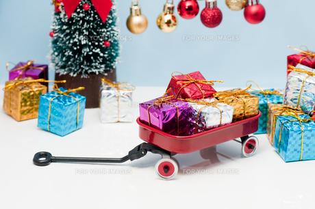 クリスマスプレゼントの写真素材 [FYI00285473]
