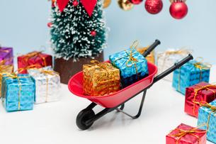 クリスマスプレゼントの写真素材 [FYI00285477]