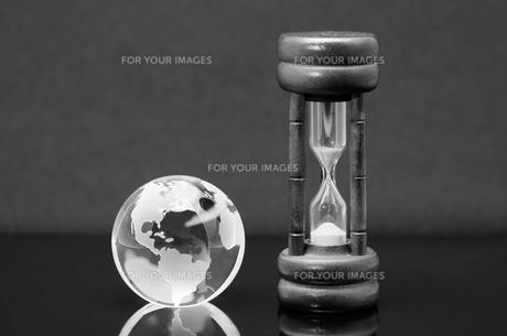 地球に残された時間の写真素材 [FYI00285553]