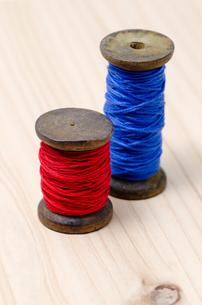 アンティークな糸巻の写真素材 [FYI00285561]