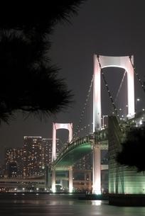 街に架かる橋の写真素材 [FYI00285893]