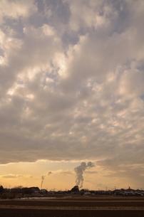 雲を作る工場の写真素材 [FYI00285894]
