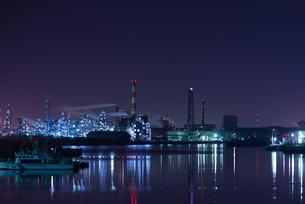 京浜工業地帯の夜景の写真素材 [FYI00286272]