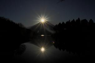 ダイアモンド富士の写真素材 [FYI00288538]