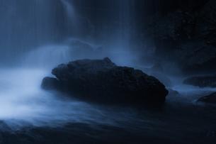夕日の滝 神奈川の写真素材 [FYI00289568]