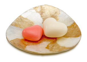 ハート形の石鹸の写真素材 [FYI00291262]