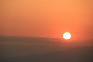 落日赤陽の写真素材 [FYI00297393]