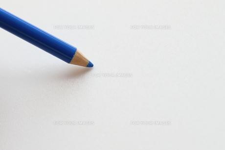 青い色鉛筆の写真素材 [FYI00298442]