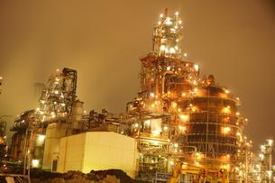 工場夜景の写真素材 [FYI00298457]