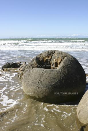 ニュージーランドの丸い奇岩の写真素材 [FYI00298551]