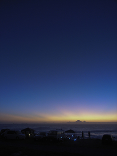 夕暮れの千葉のキャンプ場の写真素材 [FYI00298575]