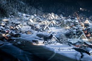 冬の白川郷の写真素材 [FYI00299710]