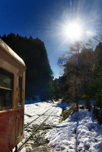 小湊鉄道 雪の写真素材 [FYI00300033]