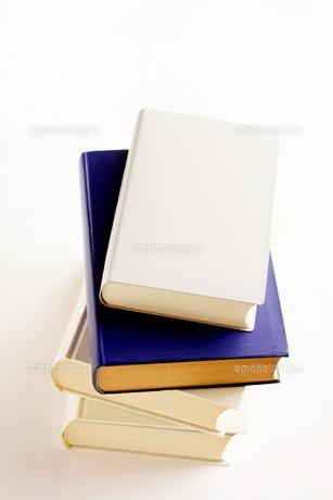 積み重ねた辞書の写真素材 [FYI00300184]