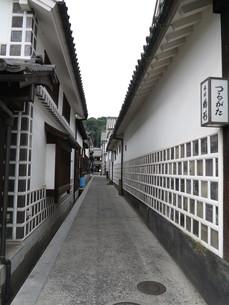 倉敷白壁の路地の素材 [FYI00302145]