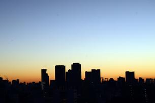 都会の夕空の素材 [FYI00302911]