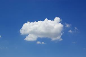 雲ひとつの写真素材 [FYI00302949]