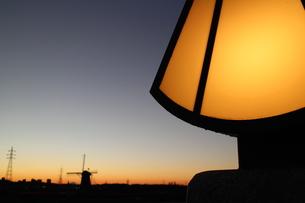 ランプのある夕日の素材 [FYI00303117]