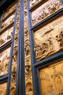 サンタマリアデルフィオーレ大聖堂の門の素材 [FYI00303255]