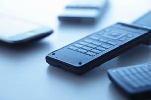 複数の携帯電話の写真素材 [FYI00303614]