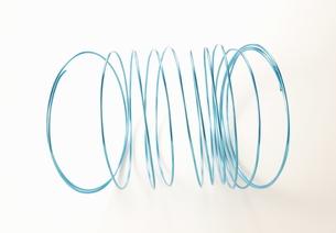 青い針金の写真素材 [FYI00303639]